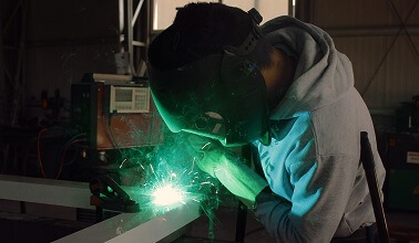 overseas applicants workers welder skilled visa migration worker